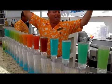 Nos vamos a Puerto Vallarta para ver como aplican la torre de líquidos con bebidas en un conocido bar del lugar.