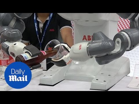 Bottoms Up! Robots Pour Beer At Artificial Intelligence Trade Show