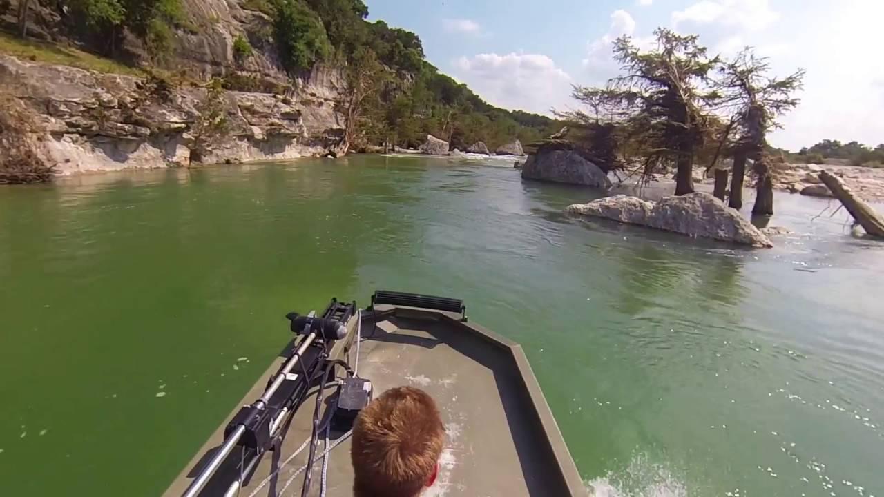 Medina river jet boating youtube for Medina lake fishing