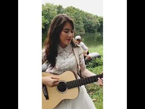 Akon Nobody Wanna See Us Together ( by cover Prilly )
