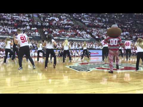 Ohio State Football Players Dance at a Basketball Game – ELEVENWARRIORS.COM