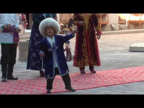 Music Show Khiva Travel Guide Silk Road Tours & Travel Uzbekistan #streetmusic #ozbekistan