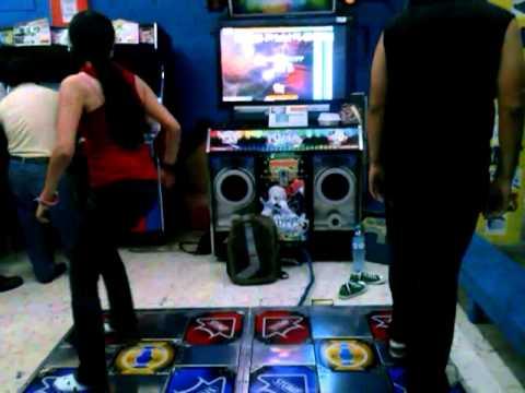 Merly Y Panda - Pumptris 8 Bit Double Performance - Fiesta 2