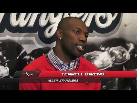 TERRELL OWENS MAKES HIS INDOOR FOOTBALL LEAGUE DEBUT