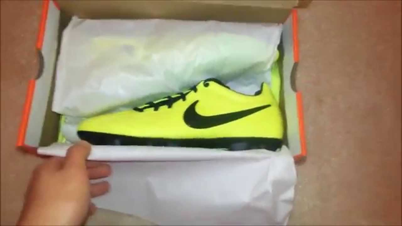 Unboxing Nike Total90 Laser IV Volt/Citron/Black