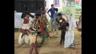 Gujarati Garba Song Navratri Live 2011 - Lions Club Kalol - Sarla Dave - Day-7 Part-11