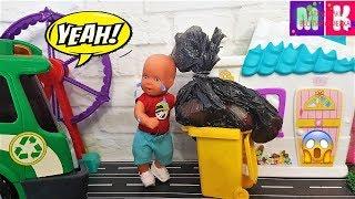 МАКС ВЫКИНУЛ ВСЕ ИГРУШКИ! КАТЯ И МАКС ВЕСЕЛАЯ СЕМЕЙКА #Мультики с куклами #Барби #forkids
