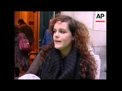 Sorbonne reopened after students clash over Sarkozy reforms
