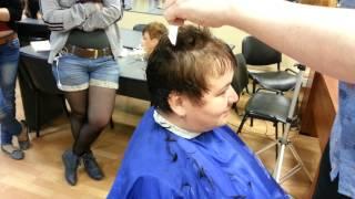 Короткая женская стрижка бритвой
