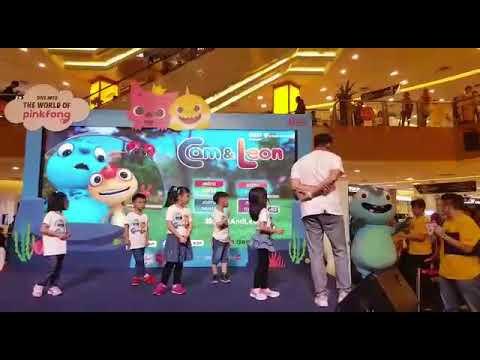 Astro Cam and Leon dance performance