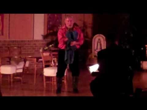 """Michael Rallis, Tenor sings """"Vesti la giubba"""""""