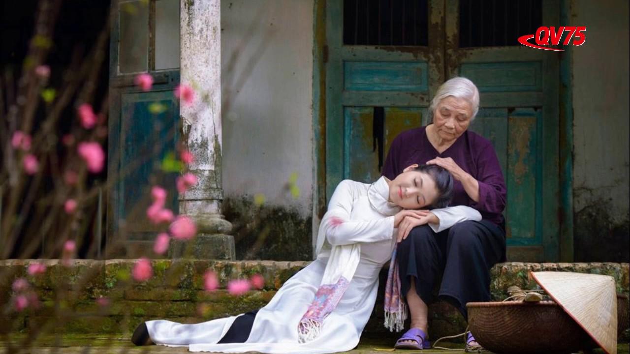 MUA LẠI THANH XUÂN - Tác giả Huệ Nguyễn