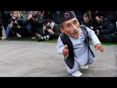 worlds smallest man alive youtube