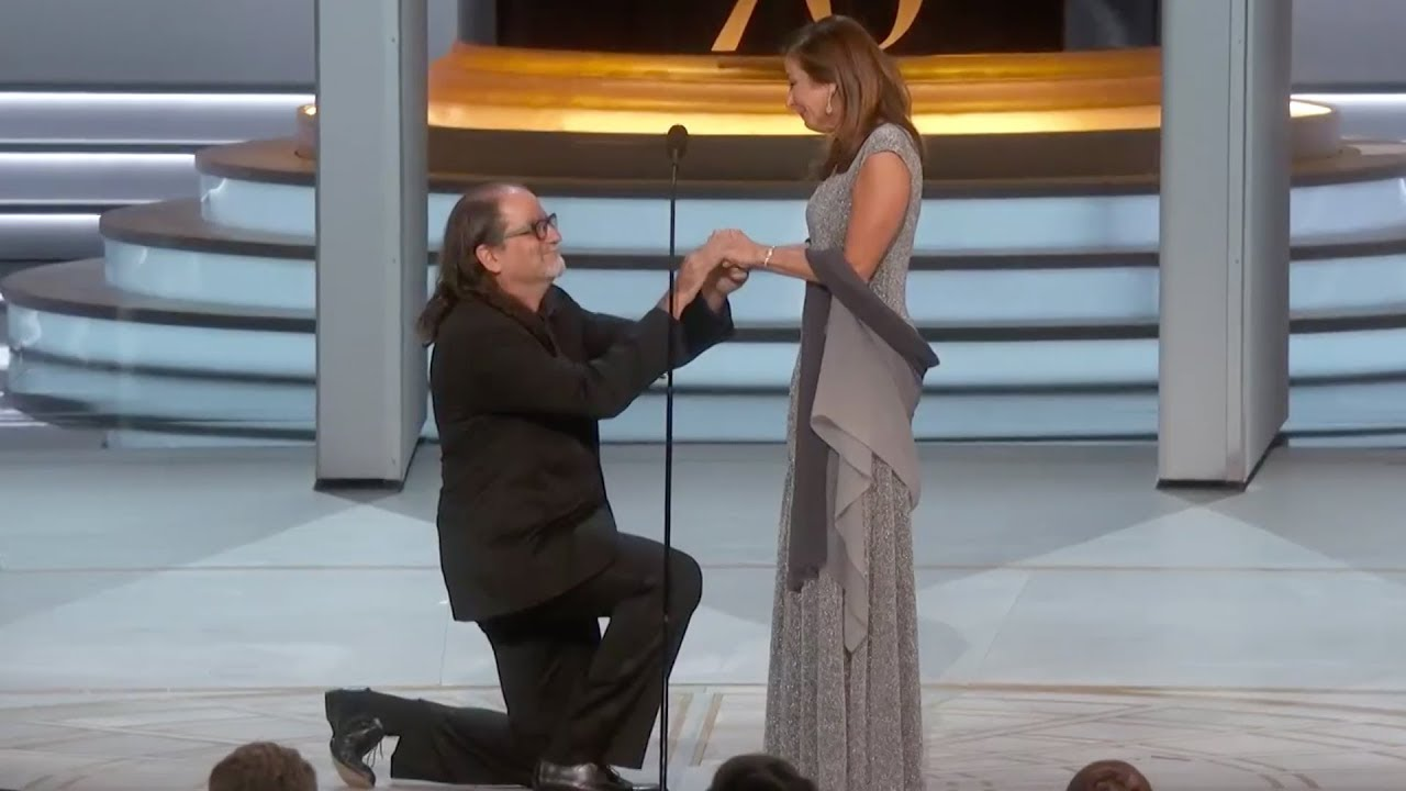 Glen Weiss Proposes To His Girlfriend After Winning The Emmy