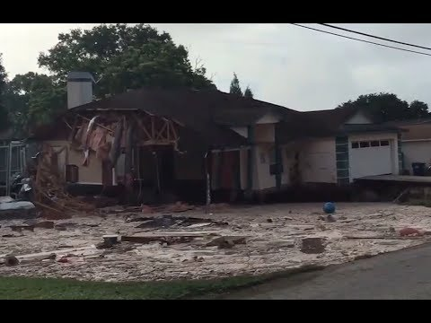 Florida sinkhole swallows entire house, watch the video before it goes viral