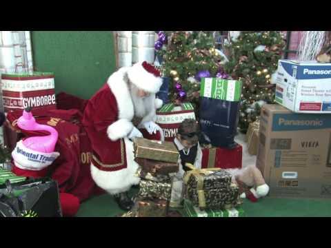 Santa arrives at the Town Center at Boca Raton