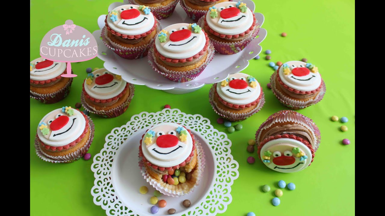 clown cupcakes f r karneval mit haselnusscreme und smarties f llung danis cupcakes youtube. Black Bedroom Furniture Sets. Home Design Ideas