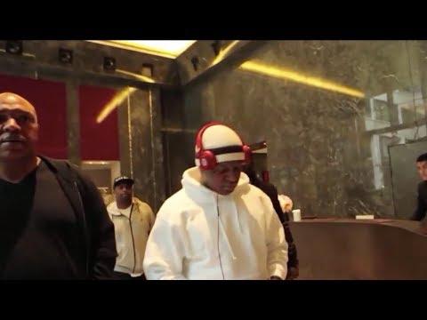 Birdman Counts Lil Wayne Money At Bank