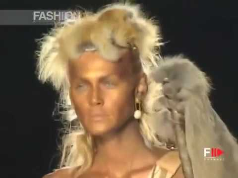 CHRISTIAN DIOR Haute Couture Spring Summer 2001 Paris – Fashion Channel