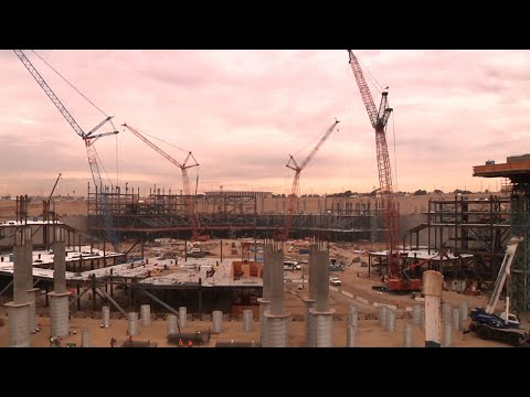 Rams, Chargers Show Off Progress of New Stadium