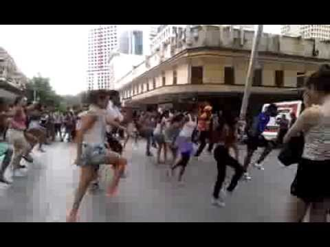 ONE LOVE - A flash mob for unity - Queens Street Mall Brisbane Performance
