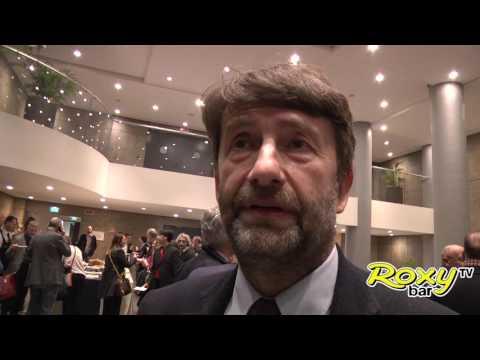 """Ministro Dario Franceschini a Red Ronnie: """"Faccio legge sulla musica"""" - Bologna 23.3.17"""