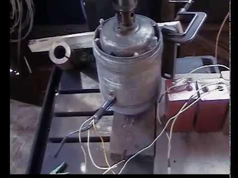 Трехфазный генератор из асинхронного двигателя. _The three-phase generator of an asynchronous motor.