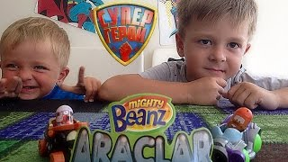 "Играем в машинки ""Крутые Бобы"" - Playing with Mighty Beanz Machines"