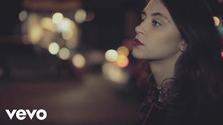 Смотреть клип Pomme - En Cavale