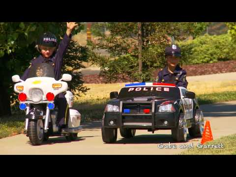 Kids Police Motorcycle - Unboxing, Race, and Review!
