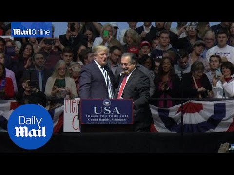 Trump names Andrew Liveris head of US manufacturing council - Daily Mail