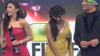 Neeti Mohan Receiving Award For 'Jiya Re'