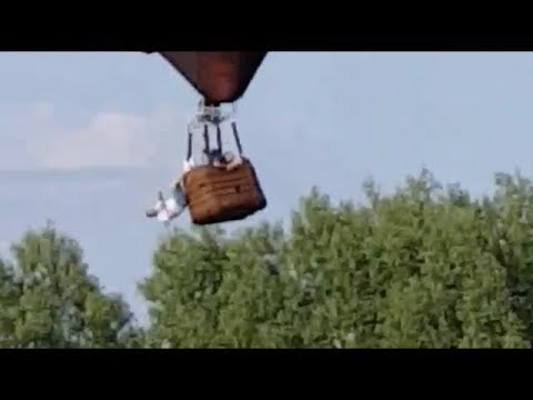 Man Dangles from Hot Air Balloon After It was Taken by Wind in Illinois