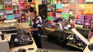 Lady Waks In Da Mix #329 (06-05-2015)