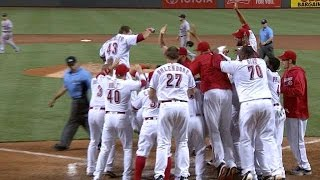 Great Scott! Reds have last laugh in homer battle