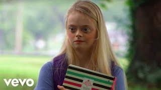 Dolly Parton, Sia - Here I Am