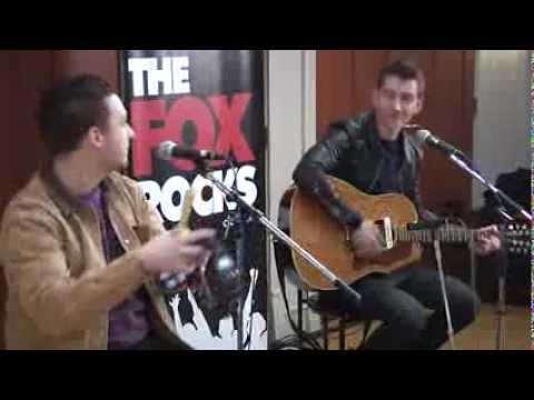 Arctic Monkeys - Reckless Serenade (Fox Uninvited Guest)