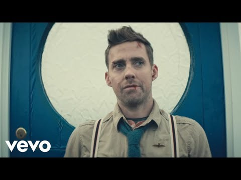 Kaiser Chiefs - Coming Home (Official Video)
