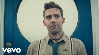 Watch Kaiser Chiefs Coming Home video