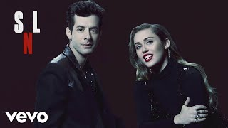 Miley Cyrus, Mark Ronson - Happy Xmas (War Is Over) (Live at SNL)