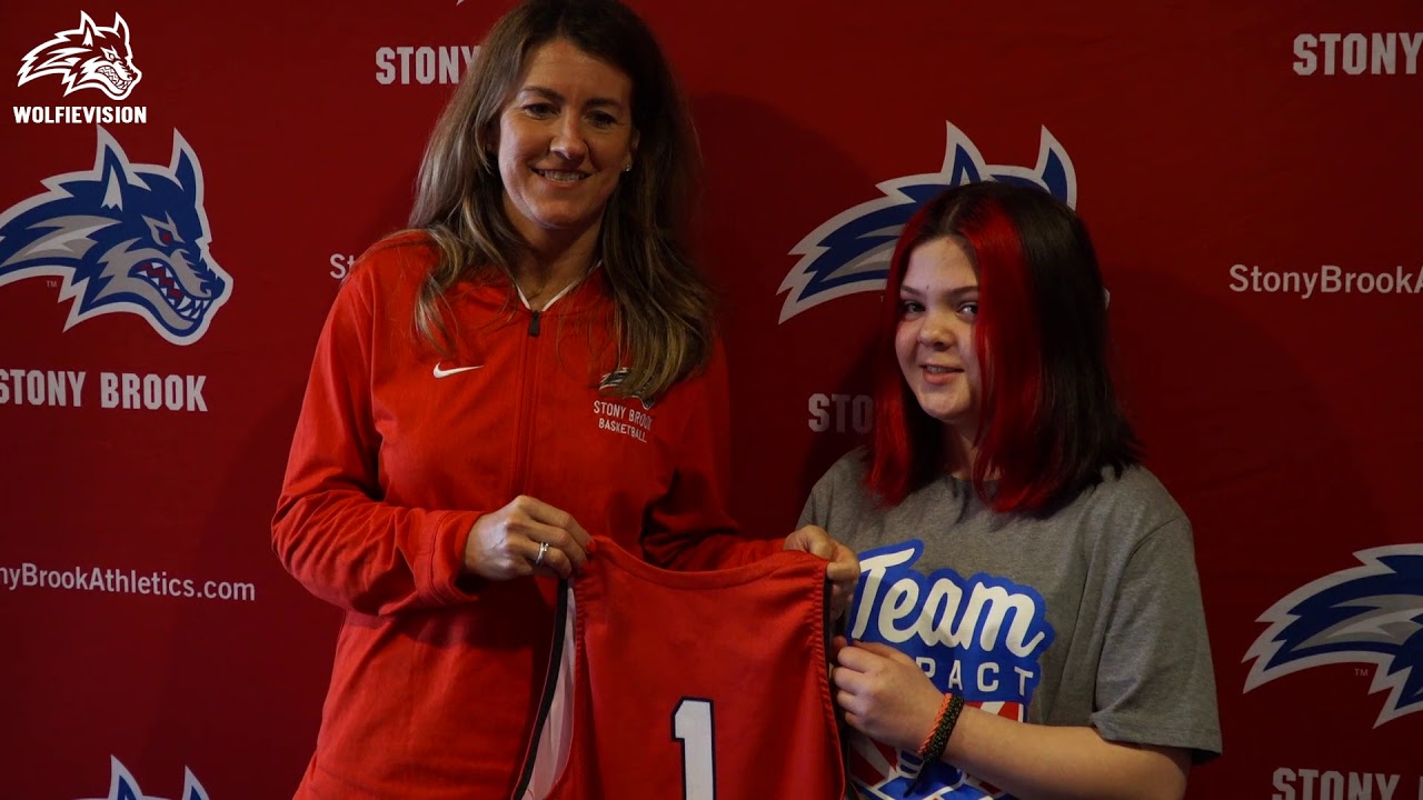 Women's Basketball Signs Team IMPACT's Amelia Garcia - YouTube