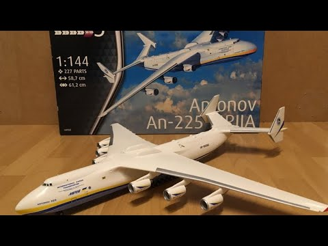 Assembly / Revell 1/144 scale Antonov AN225 Mrija / Zocker J