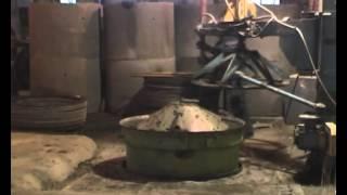 видео Бетонные кольца – домашнее производство