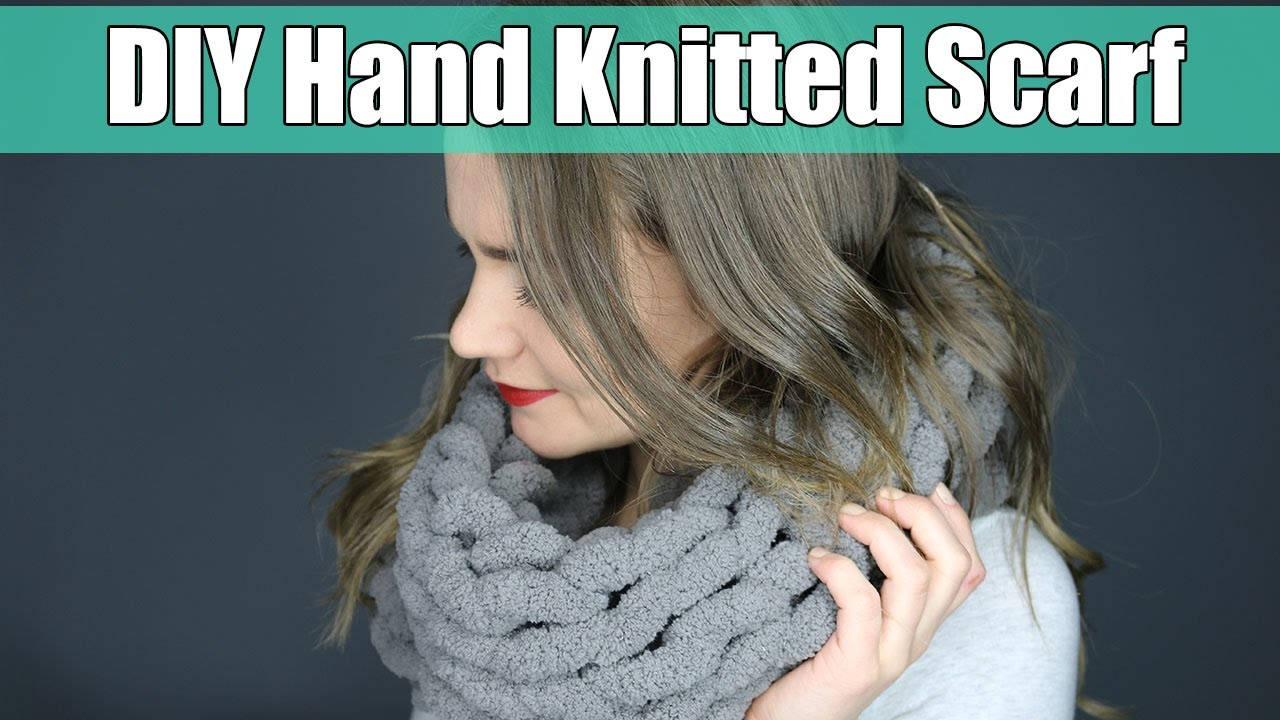 DIY Hand Knitted Scarf - Easier than Arm Knitted | DIY