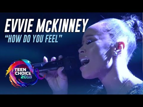 'The Four' Winner Evvie McKinney Performance At Teen Choice Awards 2018
