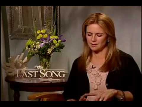 Interview Miley Cyrus and the cast of The Last Song with ARTISTdirect.com
