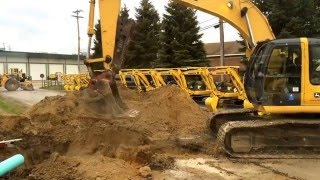 John Deere 200C LC at AIS Construction Equipment