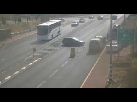 צפו: הנהג הערבי התעצבן על השוטרים שעכבו אותו לביקורת