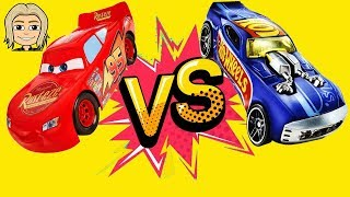 Gerti Plays with Lightning McQueen Cars 2017 And Trucks Speed Challenge