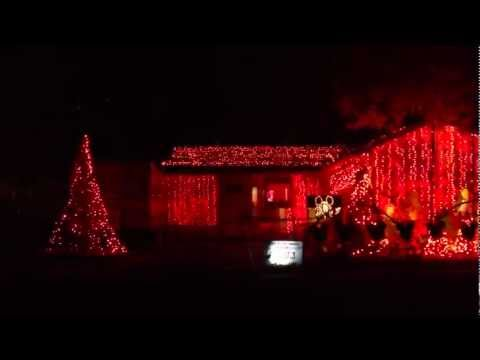 Funniest Christmas light display to music (Darude - Sandstorm)